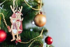 Привод игрушки рождества Рождество elkay белизна изоляции подарков рождества Стоковые Фотографии RF