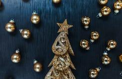 Привод игрушки рождества Черная предпосылка Звезда и дерево стоковые изображения rf