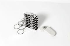 Приводы вспышки USB с снабжением жилищем металла стоковая фотография