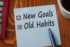 Привычки новых целей старые написанные на концепции примечания Стоковая Фотография RF