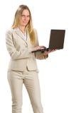 Привлекательная бизнес-леди при тетрадь, изолированная на белизне стоковые фотографии rf