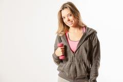 Привлекательная женская модель фитнеса изолированная на белой предпосылке Стоковое Изображение