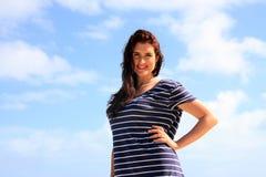 Привлекательная женщина в вскользь платье Стоковая Фотография RF