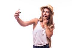 привлекательная женщина делая фото selfie на smartphone Стоковое Изображение