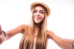 привлекательная женщина делая фото selfie на smartphone Стоковые Изображения RF