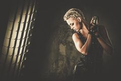Привлекательная певица steampunk Стоковое фото RF