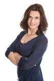 Привлекательной женщина постаретая серединой изолированная над белизной стоковые фотографии rf