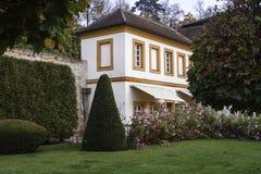 Привлекательно старомодный дом Стоковая Фотография
