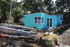 Привлекательно старомодный пляжный домик Стоковые Изображения RF