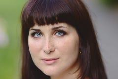 Привлекательные голубоглазые молодые женщины Portarit Стоковые Изображения