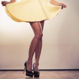 Привлекательные ноги женщины Стоковая Фотография RF