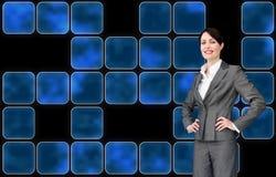 Привлекательный агент обслуживания клиента с шлемофоном дальше Стоковое Изображение
