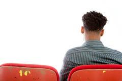 Привлекательный афро-американский человек представляя в студии стоковое изображение