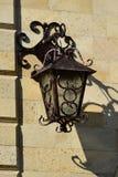 Привлекательный фонарик на стене Стоковое Фото