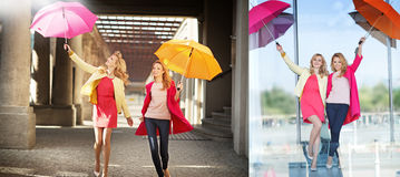 2 привлекательных белокурых дамы во время идти весны Стоковое Изображение