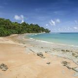Пригвоздите небо острова голубое с белыми облаками, Андаманскими островами, Индией Стоковые Фото