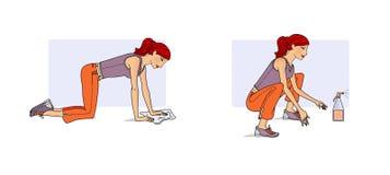 Пригодность дома Молодая женщина выполняет разнообразие тренировки в процессе чистки домоустройства на сидении на корточках, на в иллюстрация штока