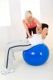 пригодность тренировки шарика брюшка стоковые изображения rf