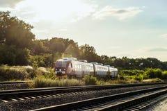 Пригородная шина RA2 рельса на железной дороге Тепловозный поезд русских железных дорог RZD Стоковая Фотография