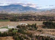 Пригороды Lake Placid с горой Whiteface стоковое фото rf