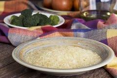 Пригорошня зерен риса стоковые фотографии rf