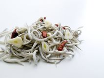 Пригорошня угрей смешанных с чесноком и пряным chili Кайенны перчит 4 стоковые фотографии rf