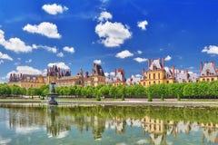 Пригородная резиденция королей Франции - красивый замок Fonta стоковое фото rf