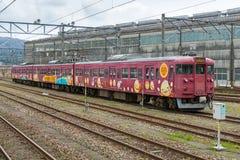 Пригородный поезд на станции Nanao Стоковая Фотография RF