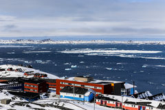 Пригород Colorfuk Nuuk Стоковое фото RF