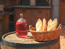 Приглашение к дегустации красного вина Стоковое фото RF