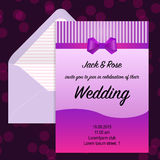 Приглашение свадьбы и beautuful конверт Стоковые Фото
