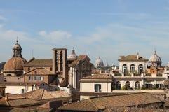 придает куполообразную форму: rome стоковая фотография