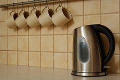 придает форму чашки чайник Стоковое Изображение RF