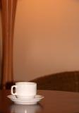 придайте форму чашки таблица Стоковое Изображение
