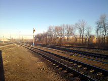 приезжает railway платформы, котор нужно натренировать Стоковые Фотографии RF