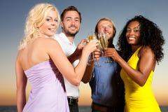 прием партии шампанского пляжа Стоковые Изображения RF
