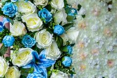 Прием по случаю бракосочетания, поднял - цветок, букет, цветок, пук подачи стоковое изображение