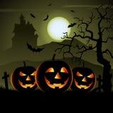 Призрачный плакат хеллоуина с тыквами и загадочным замком иллюстрация штока