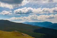 Прикарпатские горы под облаками Стоковое Изображение