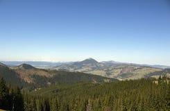 Прикарпатские горы увиденные от Vatra Dornei Стоковая Фотография