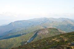 прикарпатский взгляд сверху гор Стоковые Изображения