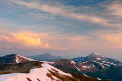 прикарпатский взгляд сверху гор Стоковое Изображение