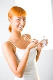 прикладывать красивейшую cream женщину Стоковое Изображение