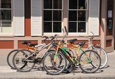 Прикованные велосипеды Стоковая Фотография