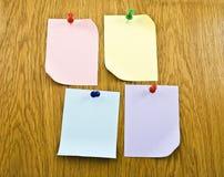 прикрепленные бумаги примечаний пробелов Стоковая Фотография RF