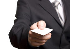 прикройте визитную карточку вручая человека Стоковое Изображение RF