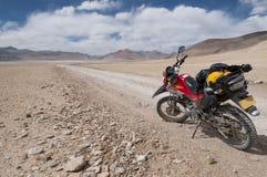 Приключение мотоцикла на Tso kar, Ladakh, Индии Стоковая Фотография
