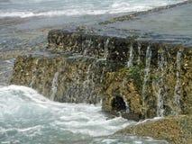 Приливное падение воды стоковое изображение rf