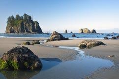 прилив подачи вторых пляжа Стоковые Фотографии RF