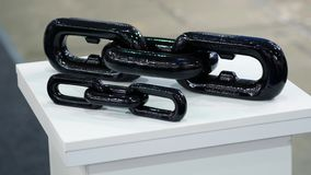 Пример звеньев цепи на выставке сток-видео